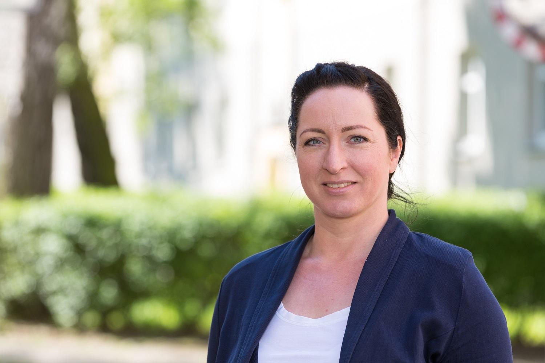 Katja Juhnke ist Ansprechpartnerin für Hüpfburgen und Festzelte bei der WEMAG