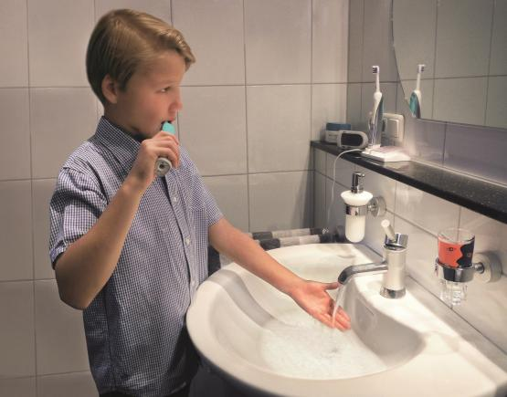 Wasser sparen beim Zähneputzen