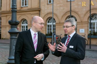 Energieminister Christian Pegel im Gespräch mit WEMAG-Vorstand Thomas Pätzold