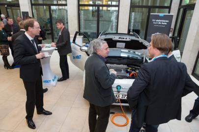 Das E-Cabrio stoß auf viele interessierte Besucher