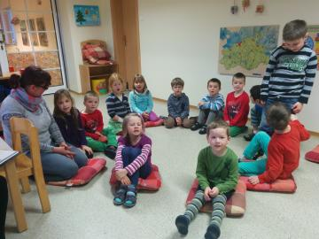 Viele staunende Kinder bei der diesjährigen Aktion