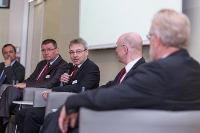 WEMAG-Vorstand Thomas Pätzold moderierte die Diskussion beim Energieforum
