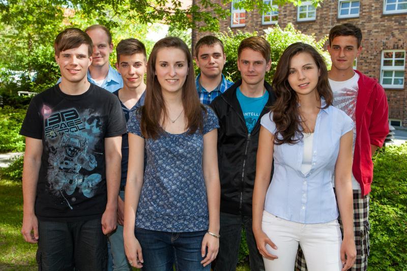 Die neuen Dualstudenten und Auszubildenden der WEMAG