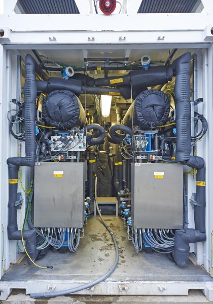 Elektrolyseure wandelt Strom und Wasser in Wasserstoff um
