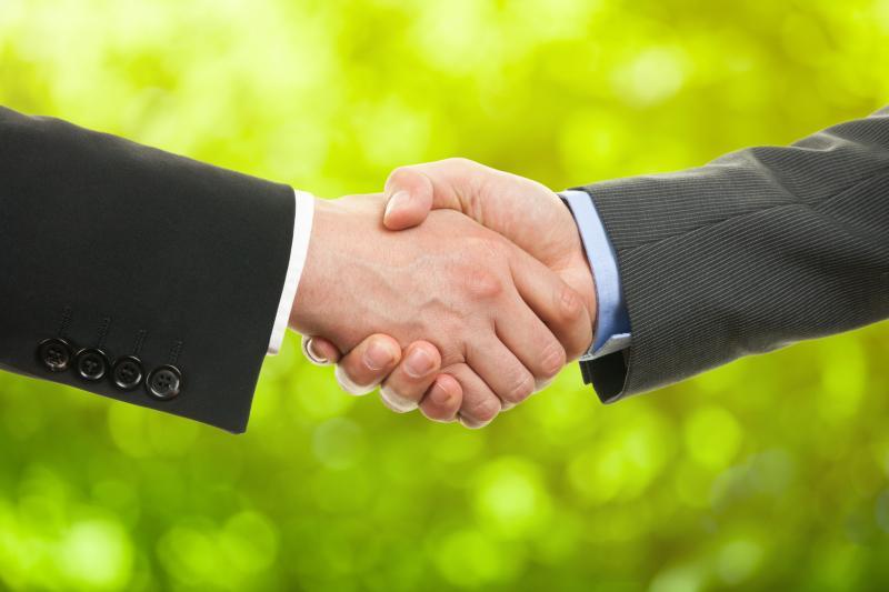Handschlag erfolgreicher Vertrag