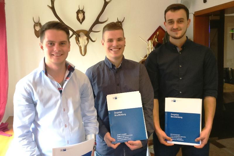 Absolventen Jonas Pinnow, Christopher Stern, Fabian Kramer