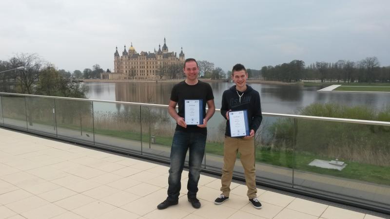 """Kevin und Quentin nahmen an der Initiative """"Berufsbildung ohne Grenzen"""" teil"""