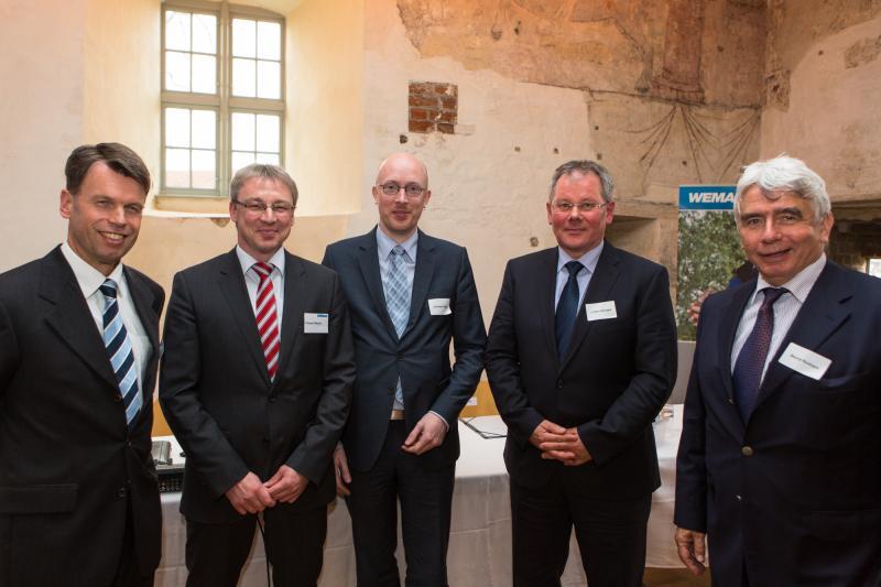 WEMAG-Vorstand Caspar Baumgart und Thomas Pätzold, Minister Christian Pegel, KAV Vorstand Lothar Stroppe und der stellv. Vorsitzende des Thüga-Vorstandes, Bernd Rudolph