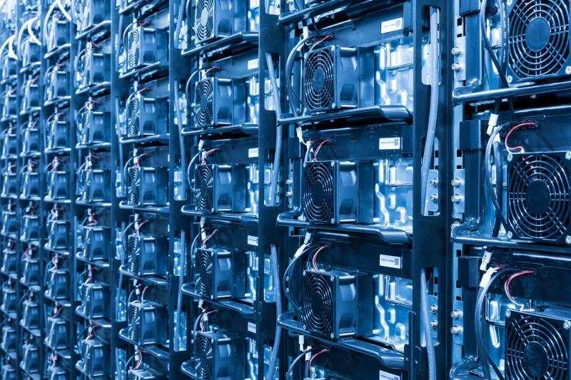 Lithium-Ionen-Akkus im Batteriespeicherkraftwerk Schwerin
