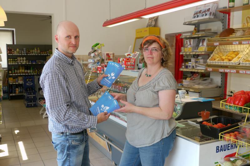 WEMAG richtet Servicestationen im Warnower Dorfladen ein