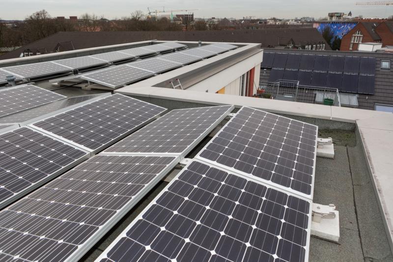 Solarmodule fangen die Sonnenendergie ein