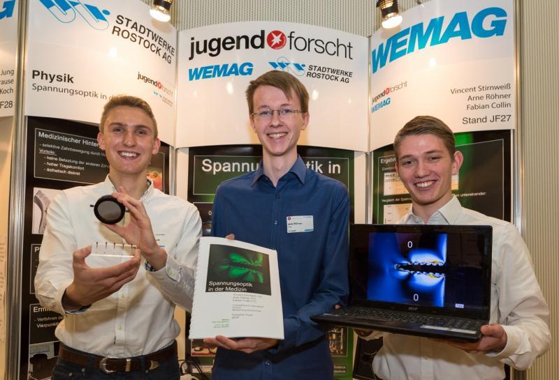 Vincent Stirnweiß, Arne Röhner und Fabian Collin gewannen im Fachgebiet Physik