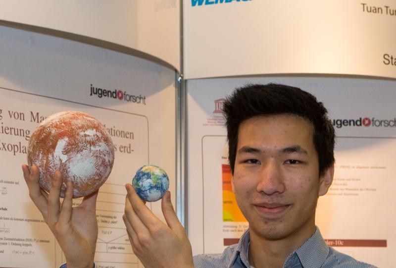 Tuan Tung Nguyen gewann den Preis als beste interdisziplinäre Arbeit
