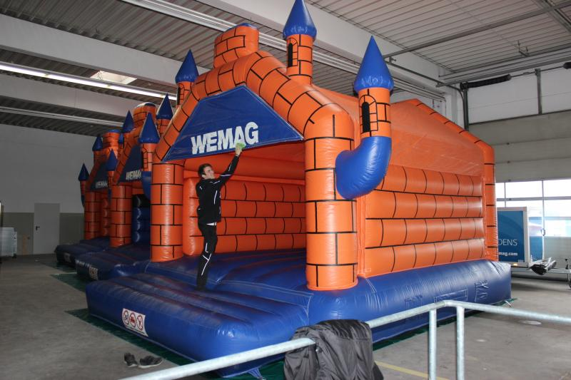 Die WEMAG verfügt über ausleihbare Hüpfburgen