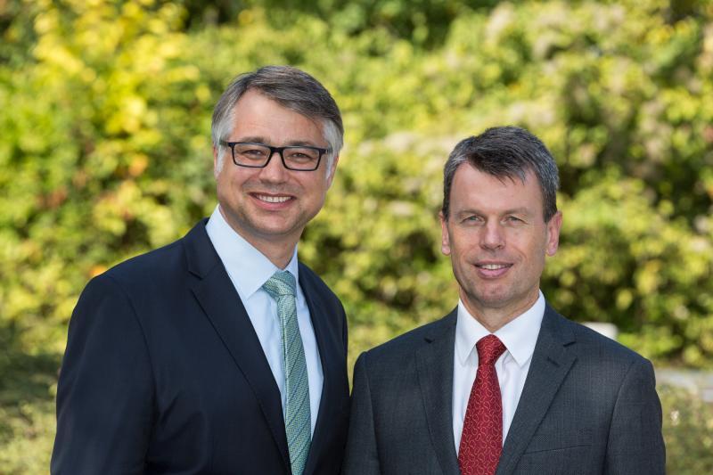 Thomas Murche und Caspar Baumgart (v. l.) führen in einer Doppelspitze die WEMAG Unternehmensgruppe.