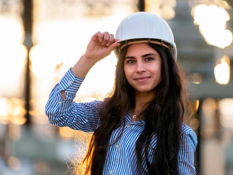 Ghinwa macht was Vernünftiges. Sie entwickelt innovative Lösungen zur Umsetzung der Energiewende. Bild: © moegrafie.de