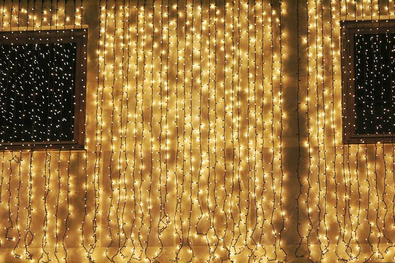 LED Beleuchtung zu Weihnachten ist die günstige Alternative und somit ein guter Stromspartipp zur Adventszeit