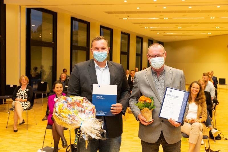 Bester Absolvent Kevin Butze von der WEMAG geehrt