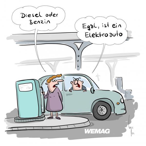 Elektroautoladen an der Tankstelle laden: Frau fragt den Ehemann: Mit Diesel oder Benzin? Mann: Egal, ist ein Elektroauto