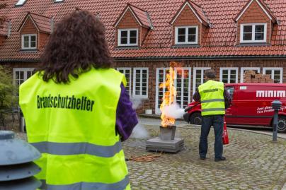 WEMAG-Gruppe hat 17 neue Brandschutzhelfer