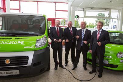 Energieminister Christian Pegel, Geschäftsführer Raymond See, Fiat-Autohändler Hans Busse und WEMAG-Vorstand Thomas Pätzold