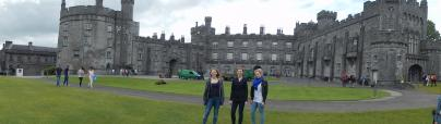 Lena, Anne, Johanna vor dem Kilkenny Castle