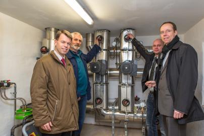 Inebtriebnahme des neuen Nahwärmenetzes in Bresegard bei Picher